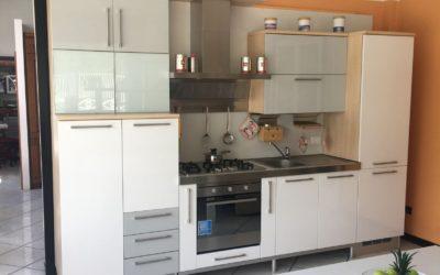 Cucina Lux offerta € 4800